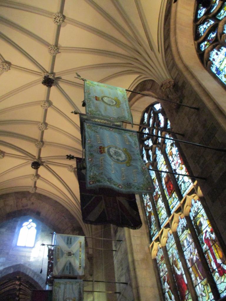 St. Giles, Interior